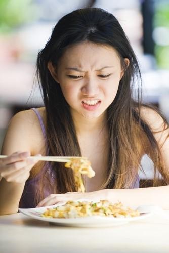 Vyvarujme sa konzumácii jedla keď sme veľmi unavení, alebo rozrušení.